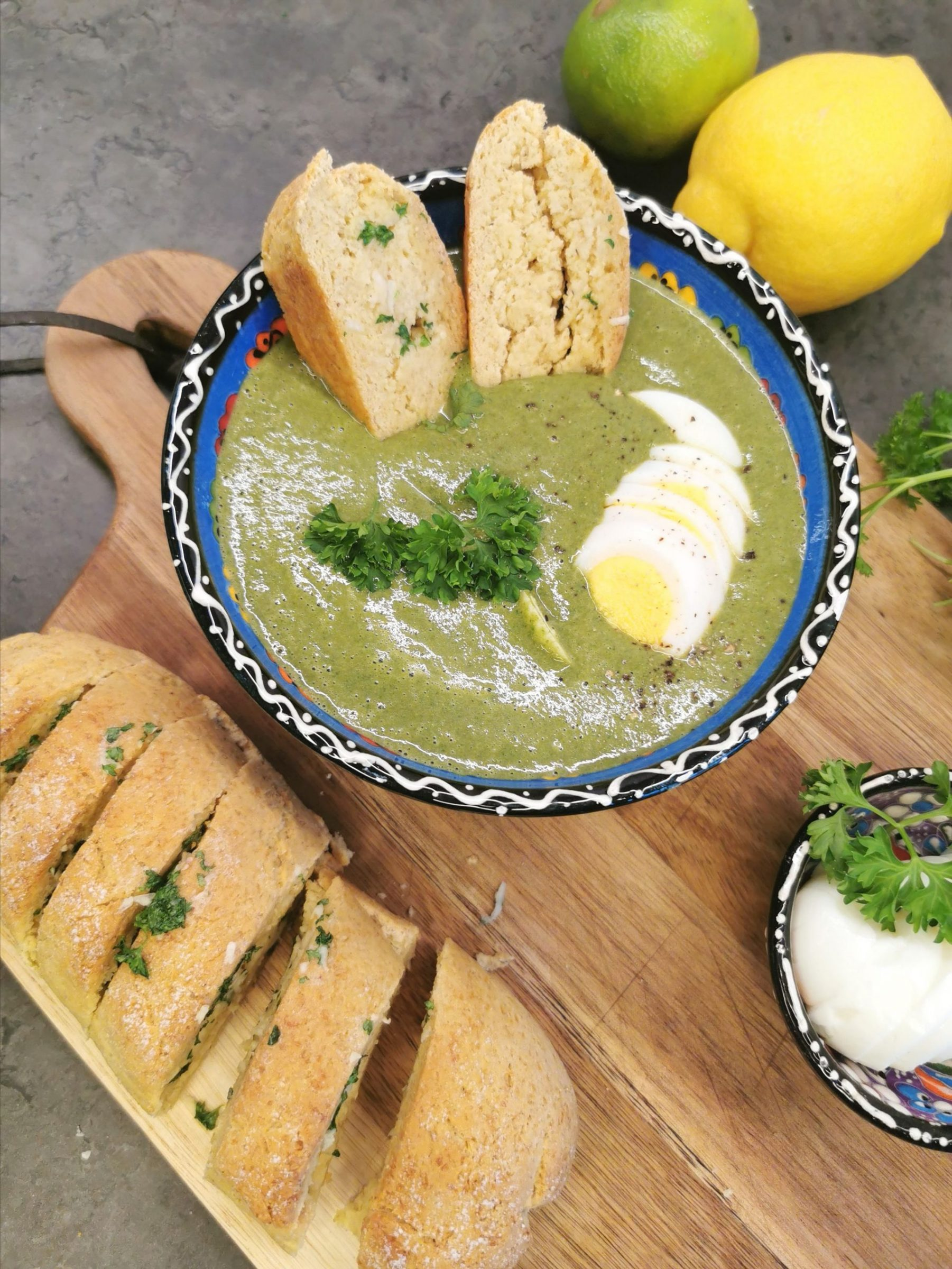 Lavkarbo spinatsuppe